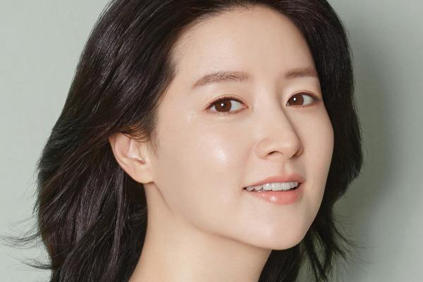 Akrtis Lee Yeong-ae Donasikan 100 Juta Won untuk Pasien Anak dan Tim Medis COVID-19