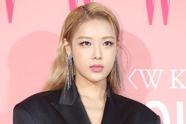 '원조 걸크러시' 유빈, 신곡 '향수' 오늘 발매