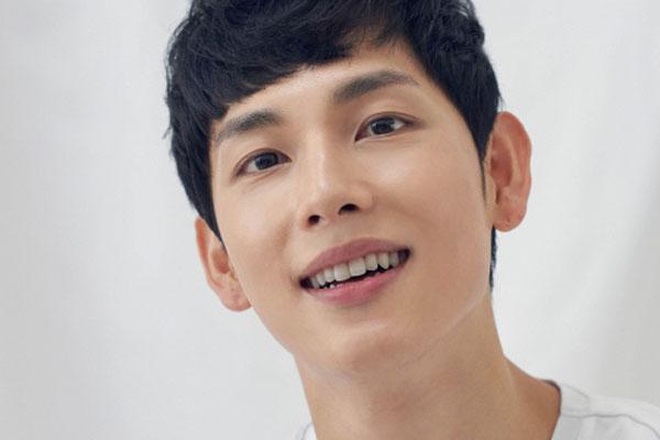 """Im Si-wan Karang dan Nyanyikan Lagu untuk OST Drama """"Run On"""""""