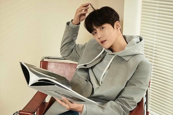 Aktor Kim Seon-ho Donasikan 100 Juta Won untuk Pasien Penderita Leukimia