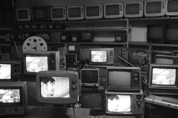 최불암과 이유리가 만나는 TV 방송 60년의 얼굴들