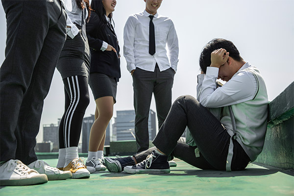 Les accusations de harcèlement scolaire retentissent dans le milieu de la k-pop