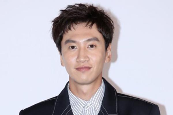 """Lee Kwang-soo Konfirmasi Tinggalkan Program """"Running Man"""" Setelah 11 Tahun"""