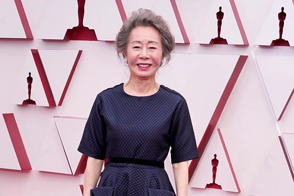 Youn Yuh-jung gewinnt Oscar für beste Nebendarstellerin