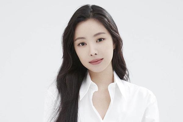 Son Na-eun Apink Dikabarkan Akan Masuk YG Entertainment