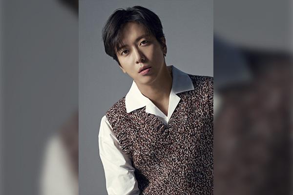 Jung Yong-hwa phát hành trước ca khúc song ca cùng ca sĩ Trung Quốc