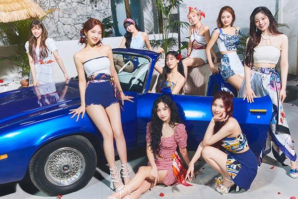 Album mini mới của Twice xếp thứ 6 bảng xếp hạng Billboard 200