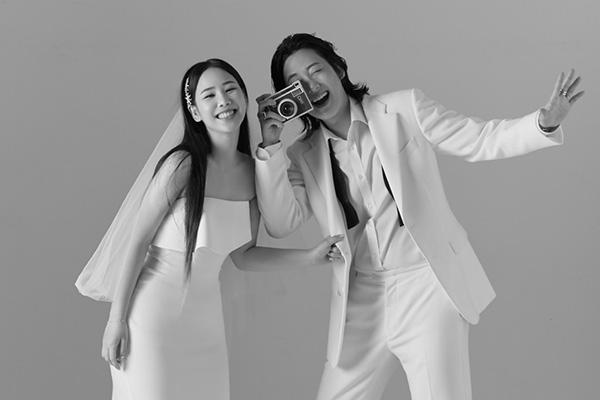 U Sung-eun et Louie officialiseront leur union le mois prochain