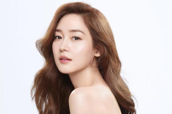 Sung Yu-ri gibt Schwangerschaft bekannt