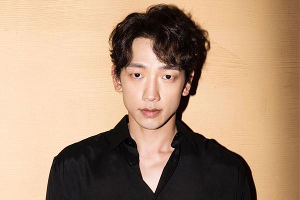 Tạp chí Rolling Stone Korea công bố ảnh bìa số thứ ba hợp tác với Bi Rain