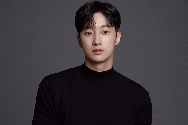 Jin-young opte pour un nouveau drama après la fin de son service militaire