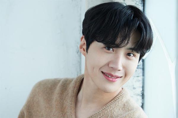 Kim Seon Ho pide perdón a su expareja