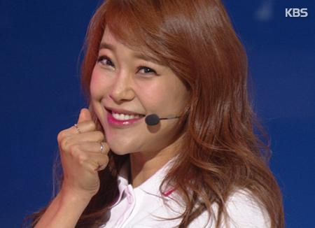 Baek Ji-young Gives Birth To Baby Girl