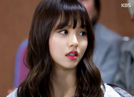 Kim So Hyun Keluar dari Agensinya
