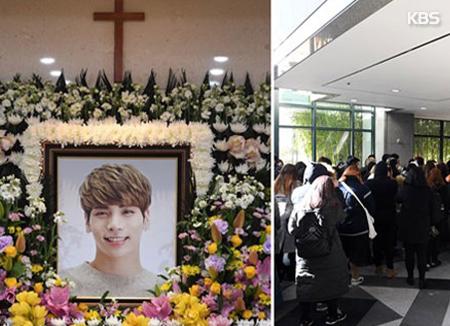 Ratusan artis dan penggemar kunjungi rumah duka 'SHINee' Jonghyun
