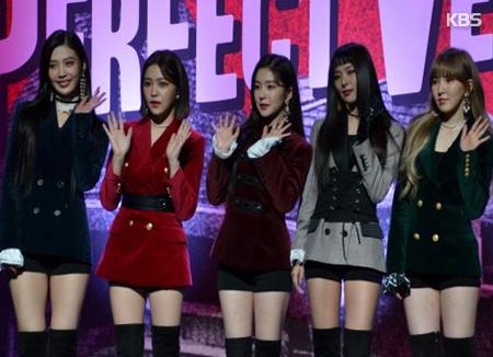 Red Velvet CDアルバムチャート1位