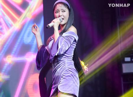 ホン・ジニョン KBS朝の長寿番組で新曲を初披露