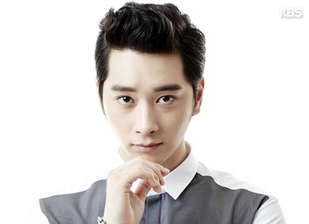 Hwang Chan-seong de 2PM va monter sur les planches