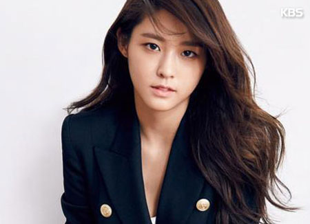 Seolhyun Chosen As Most Photogenic Star of the Year