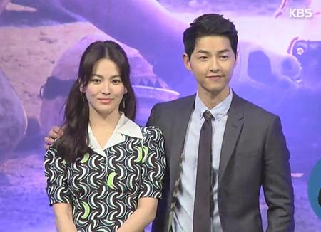 سونغ جونغ كي بطل مسلسل أحفاد الشمس يتزوج من بطلته سونغ هي كيو