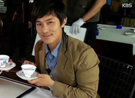 Kim Dong-wan von SHINHWA spendet für alleinerziehende Mütter in Korea