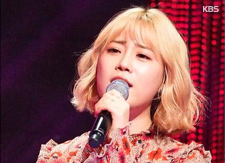 هوه يونغ جي عضوة فرقة كارا المفككة تبدأ نشاطها كمطربة منفردة