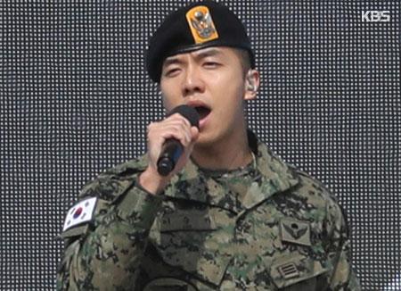 Lee Seung-ki va bientôt achever son service militaire