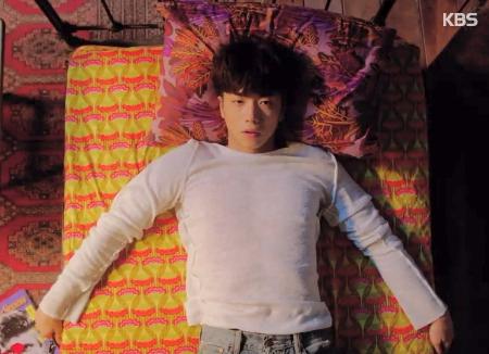 أو يونغ يكشف عن صورة تشويقية لألبومه المنفرد الجديد