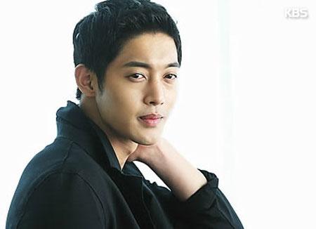 Kim Hyun-joong relance ses activités au pays du Matin clair