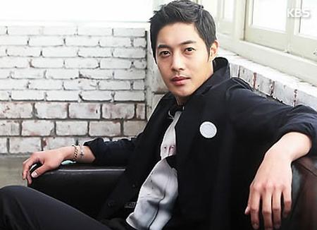 Sänger und Schauspieler Kim Hyun-joong veröffentlicht Solo-EP