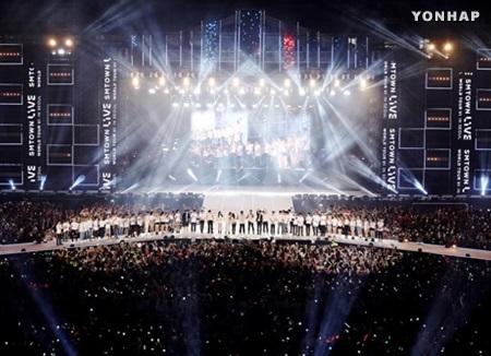 Sänger von SM Entertainment geben Galakonzert in Dubai