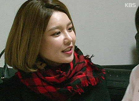 سو يونغ عضوة فرقة عصر البنات تقوم بأداء تمثيل في الفيلم الكوري الياباني