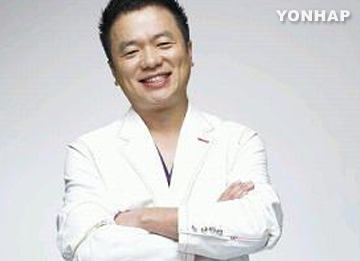 Kim Tae Gyun prosigue con sus compromisos pese a fallecer su madre