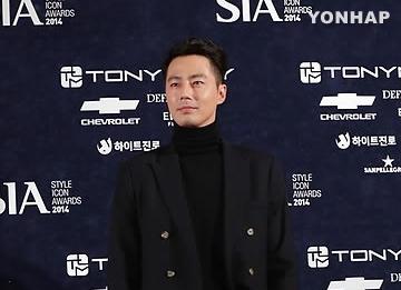Jo In-sung trở thành biểu tượng phong cách năm 2014