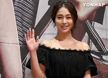 Lee Min Jung regresa a Los Ángeles con su esposo Lee Byun Hun