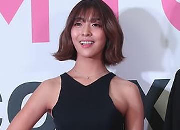 Lee Soo Man felicita a Luna de f(x) felicitada por su excelente actuación