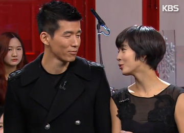Sean & Jung Hye-young Donate 500,000 Coal Briquettes