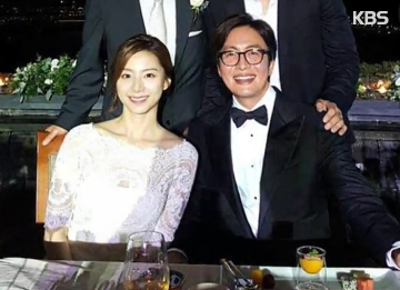 Bae Yong-jun & Park Soo-jin Welcome Baby Boy