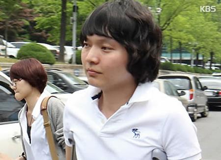 Shin Jung Hwan aparece por sorpresa en un programa de internet