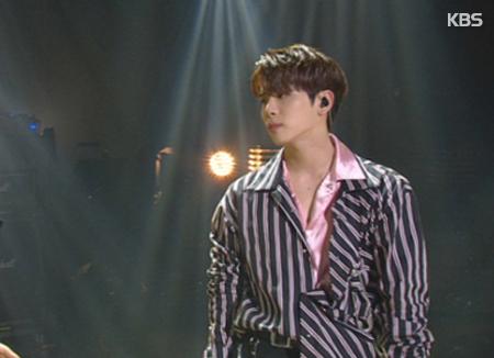Jonghyun de SHINee publicará una colección de fotografías