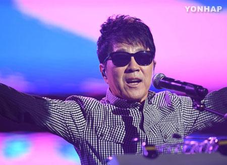 Cho Yong Pil prepara una gira nacional por su 50º aniversario