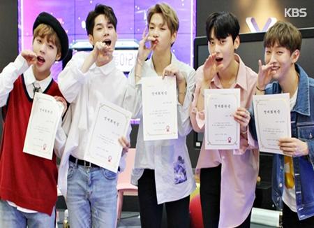 Tân binh Wanna One khẳng định sức hút của mình tại thị trường âm nhạc quốc tế