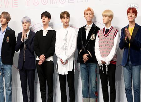 BTS lần thứ hai lọt Top200 Billboard