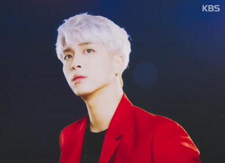 Fan của Jong-hyun quyên góp ủng hộ cộng đồng LGBTQ