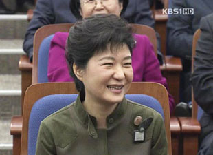 韩国朝野各党纷纷就金正日死亡展开讨论