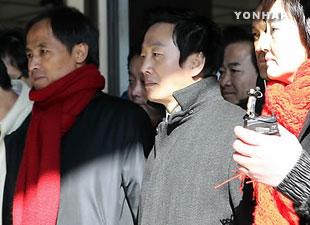 鄭鳳株前議員の収監 米マスコミが韓国政府を批判