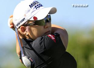 申ジエ、9打差圧勝 日本女子プロゴルフ