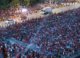 ワールドカップ1次リーグ 光化門などで街頭応援