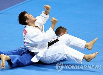 Asienspiele: Medaillen im Fechten, Judo, Bahnradfahren und Schwimmen