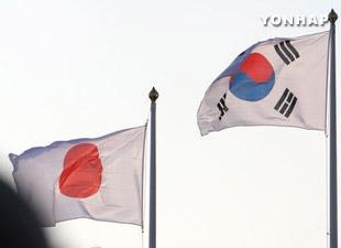 世論調査 半数近くが日本に対する「強い対応」を要求